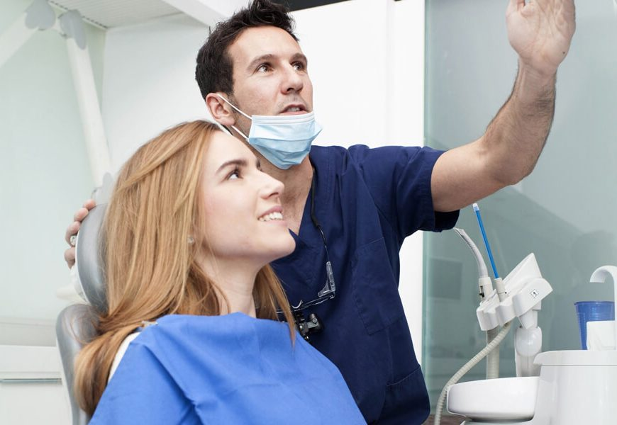 How Does a Saturday Dentist Benefit You?